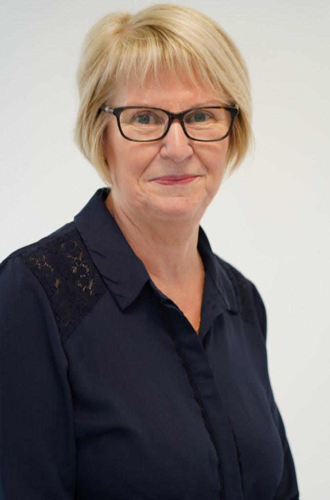 """Chantal DE SAINT-DENIS 59 ans Argouges se présente sur la liste sans étiquette """"J'aime ma commune, une équipe par passion"""" menée par David JUQUIN."""