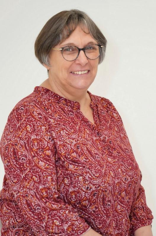 """Chantal TURQUETIL 56 ans Montanel se présente sur la liste sans étiquette """"J'aime ma commune, une équipe par passion"""" menée par David JUQUIN."""